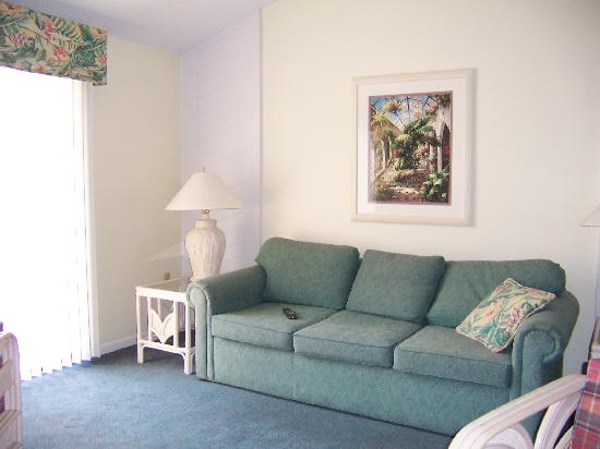 Imperial Lakes: living room
