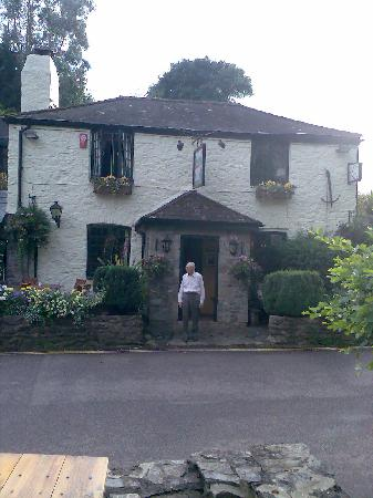 Waterman's Arms: Front view showing our bedroom