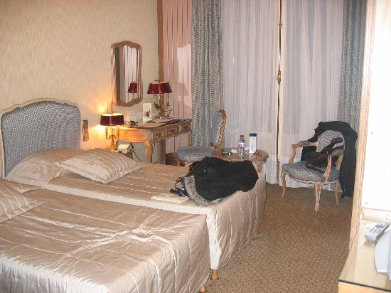 Hôtel Chateau Frontenac: Great room, twin beds not too romantic for a couple however