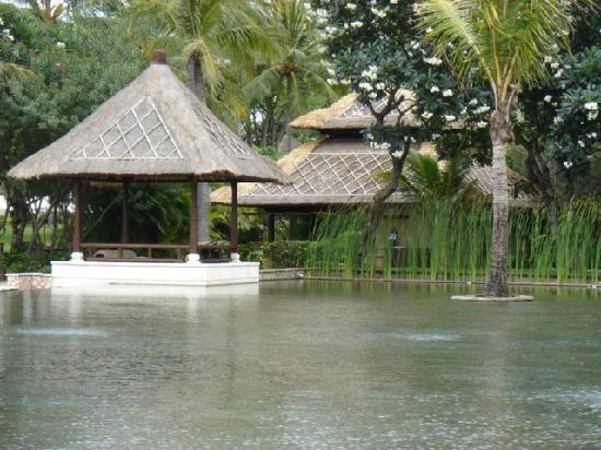 The Oberoi, Lombok: beach bale
