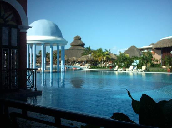 Iberostar Varadero: The main pool from reception