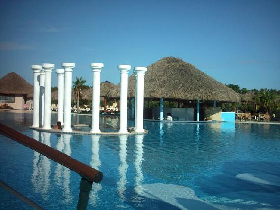 Iberostar Varadero: Pool, jacuzzi and pool bar