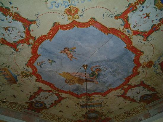 Hotel La Luna: The ceiling in room 242!