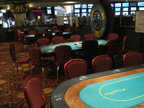 Excalibur Poker Room - Picture of Casino at Excalibur, Las Vegas ...