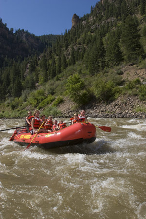Гленвуд-Спрингс, Колорадо: rafting on the Colorado River