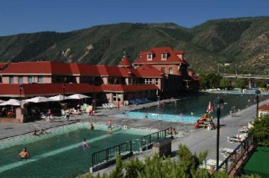 Hot Springs Lodge & Pool