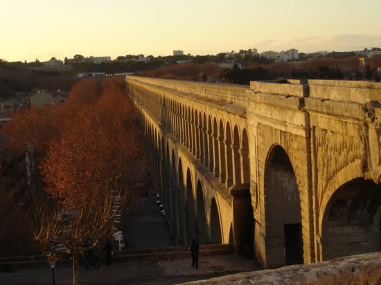 Montpellier, France : The aqueduct