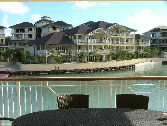 The Landings St. Lucia: Looking towards back of reception over lagoon