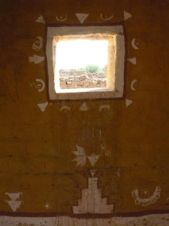 Hotel Monsoon Palace : View out of a village house ruine