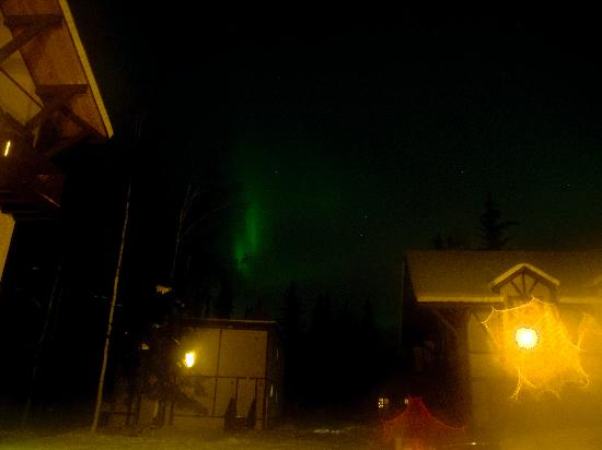 7 Gables Inn & Suites: Aurora over 7 Gables