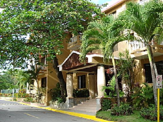 Hotel Celuisma Cabarete: impressive front entrance????