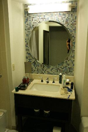 InterContinental Hotel Tampa: Room 828 bathroom 2