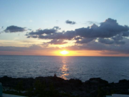 Coral Seas Cliff: Sunset