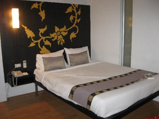 Swana Bangkok Hotel : The bed