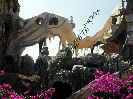 Madagui (Dalat) Vietnam  City pictures : Crazy House in Da Lat Foto di Da Lat, Lam Dong Province ...