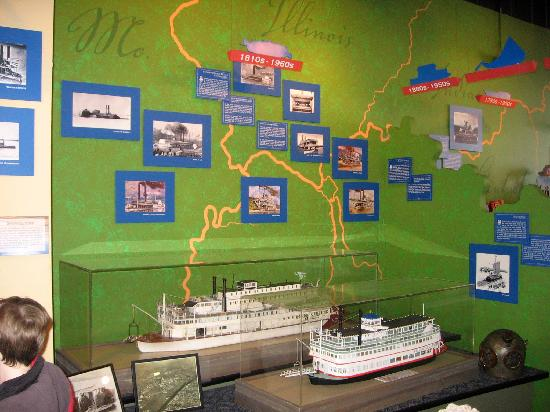 River Discovery Center: Riverboat display, along with river map.