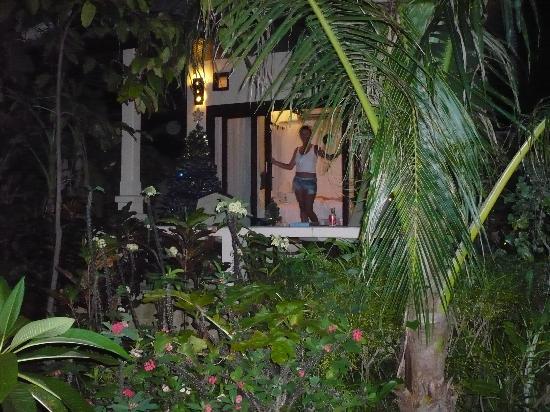 โรงแรมสมุย ฮันนี่ คอทเทจ บีช รีสอร์ท: Our Bungalow