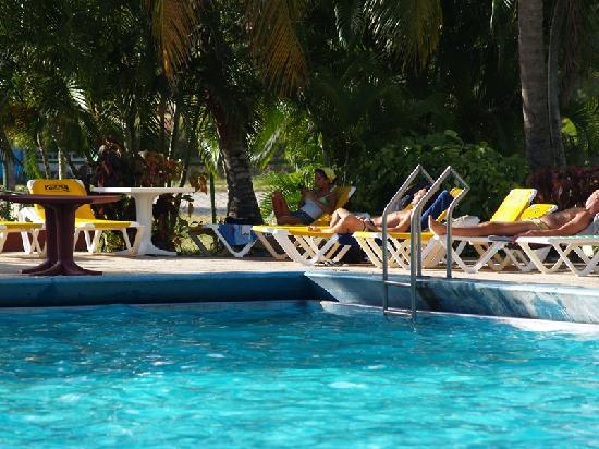 Hotel Pernik: particular piscina