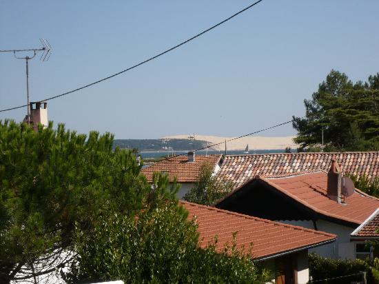La Maison du Bassin : View from the annexe