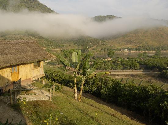 Huai Khum Resort: Wundervoller Fernblick vom Zimmer