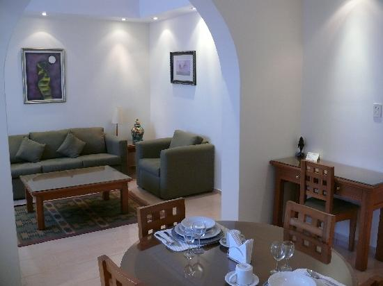 Hotel Suites Reforma 374 : Living and dining rooms, Tipo 2 suite