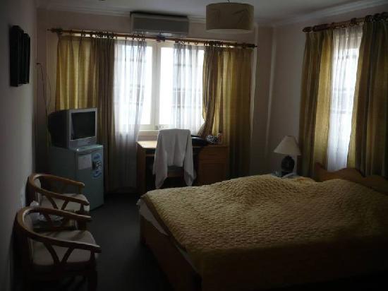 Pacific Hotel: Okay room2