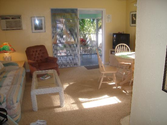 Periwinkle Cottages of Sanibel: Inside the IBIS cottage