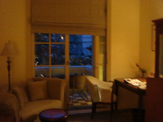 Raffles Hotel Le Royal: Room overlooking the pool