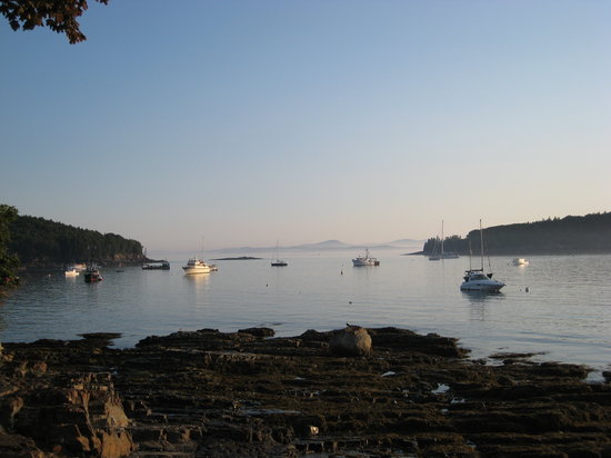 Bar Harbor Inn: View of Frenchmans Bay from the Shore Path