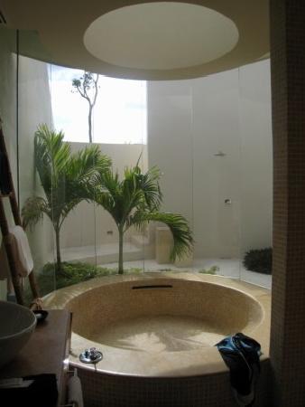 Rosewood Mayakoba: Bathtub