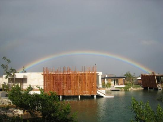 Rosewood Mayakoba: rainbow outside suite