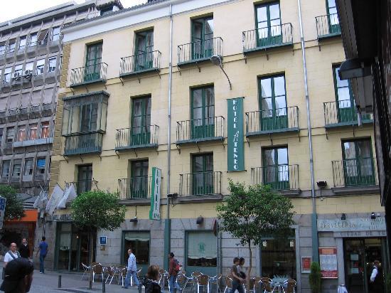Hotel madrid puerta del sol for Hotel madrid sol