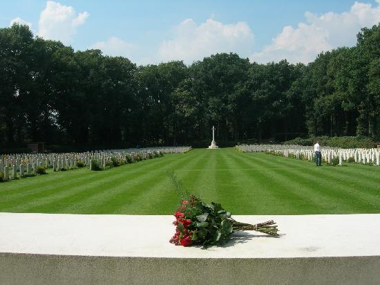 Airborne Cemetery, Oosterbeek