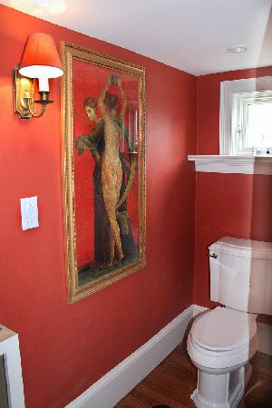 Mabbett House : Powder Room