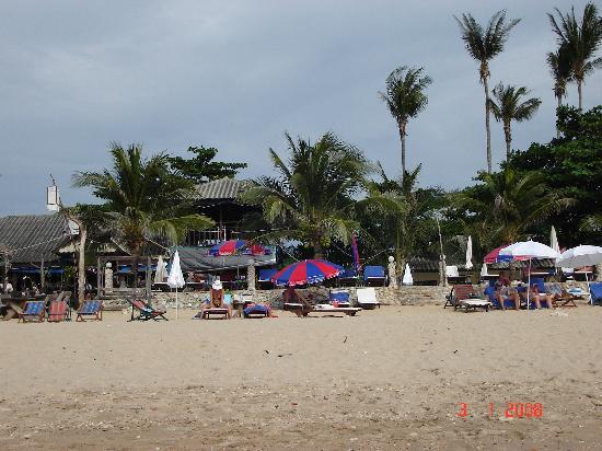 Lanta Palace Resort & Beach Club: The resort from the beach