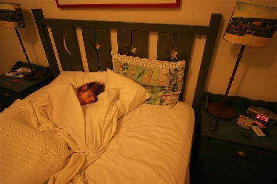 Sonoma Creek Inn: la chambre ou plutot le lit :-)) oui je sais je me lève très tôt !