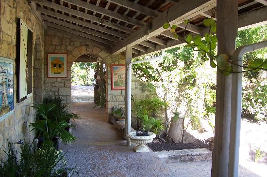 Harmony Hall Italian Restaurant : Harmony Hall veranda