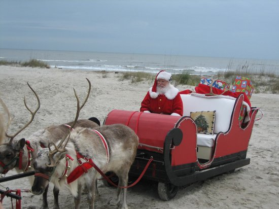 The Lodge at Sea Island: Santa on the Beach
