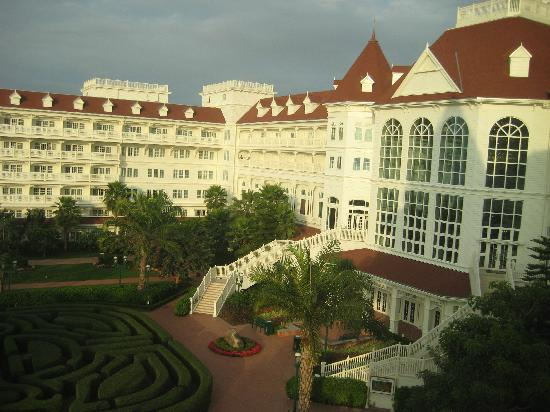 Hong Kong Disneyland Hotel: View from our hotel room