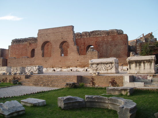 Patrasso, Grecia: The Roman Odeum of Patras