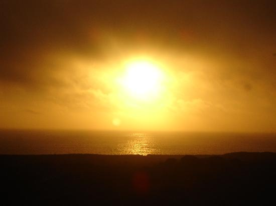 Atouguia da Baleia, Portugal: Sunset from the room's balcony