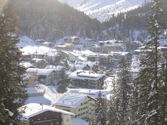 Hotel Ilga: Looking down at Lech