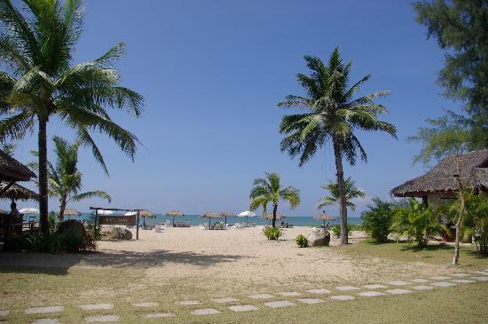 ذا كيب كو كاو أيلاند بيتش ريزورت آند سبا: The beach