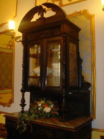 Carafa di Maddaloni B&B : great antiques