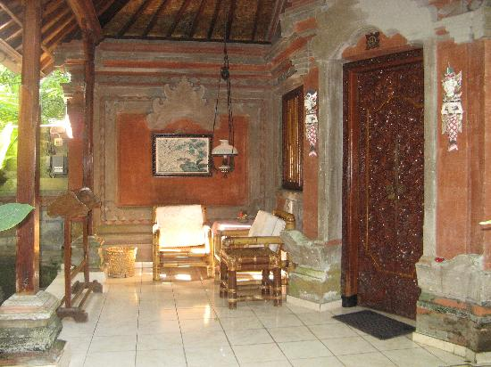 Ketut's Place: Room 4 patio -a very comfortable place to relax