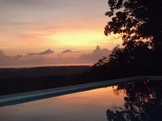 Cuixmala: Margaitas in the pool at sunset