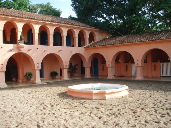 Cuixmala: The stables