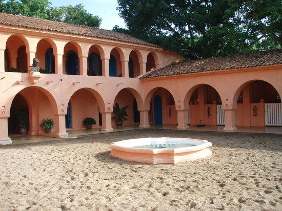 Cuixmala : The stables