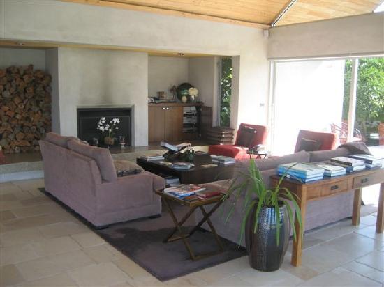Takatu Lodge & Vineyard : living room