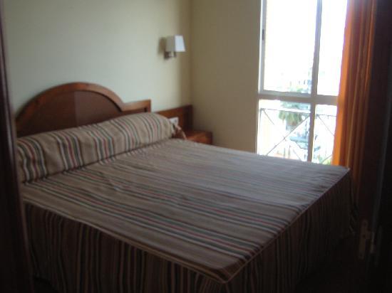 Apartamentos Dorotea: Bedroom.